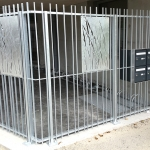 clôture/grille à barreaudage