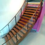 escalier bois garde-corps vitrés