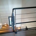 escalier 2/4 tournant - limon central - marches bois
