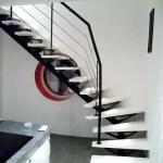 escalier 1/4 tournant limon central et marches bois laquées blanc